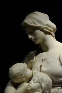 Mother breastfeeding Ny Carlsberg Glyptotek Kopenhagen