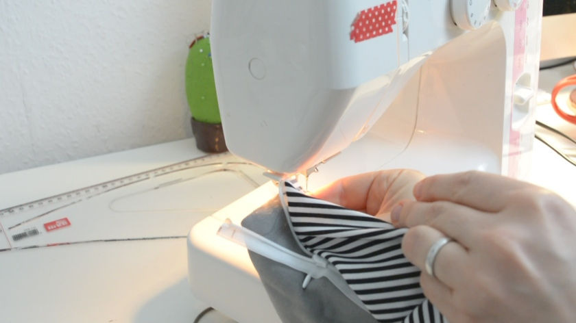diy-kork-clutch-naehen-naehdirwas-video-tutorial-mohntage-blog_0068-00_06_45_23-standbild017