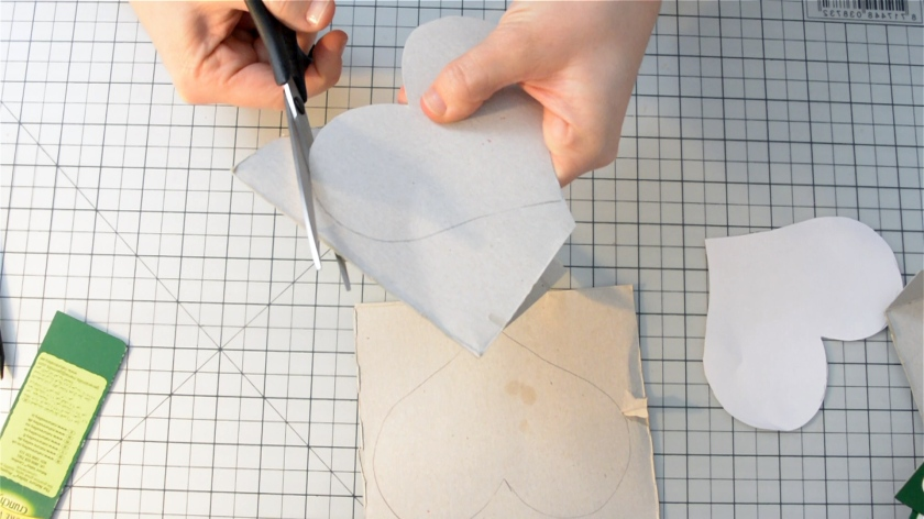 diy-mini-pinata-valentinstag-video-tutorial-mohntage-blog_0026-00_02_21_06-standbild003