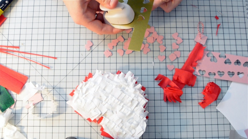 diy-mini-pinata-valentinstag-video-tutorial-mohntage-blog_0026-00_05_30_24-standbild017