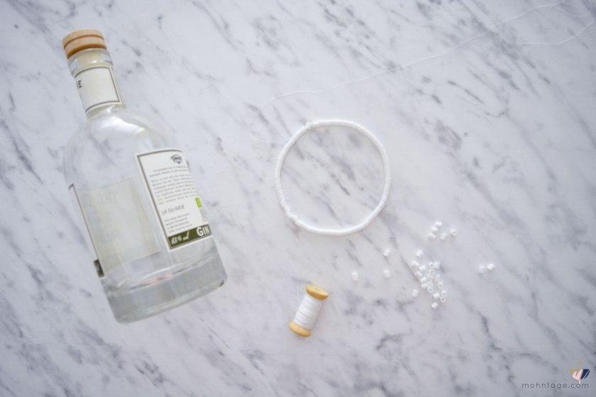 DIY-Peyote-Stitch-Flaschenbezug-mit-Buegelperlen-Anleitung-Mohntage-Blog-Flasche-Perlen-auffaedeln