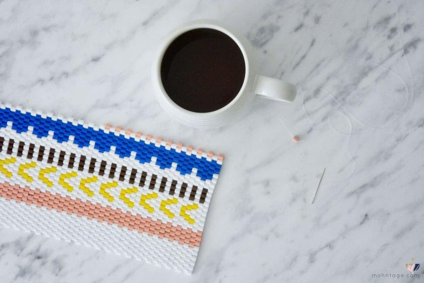 DIY-Peyote-Stitch-Flaschenbezug-mit-Buegelperlen-Anleitung-Mohntage-Blog-Kaffee-1