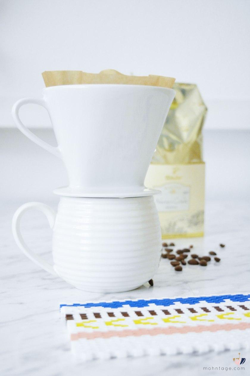 DIY-Peyote-Stitch-Flaschenbezug-mit-Buegelperlen-Anleitung-Mohntage-Blog-Kaffee-2
