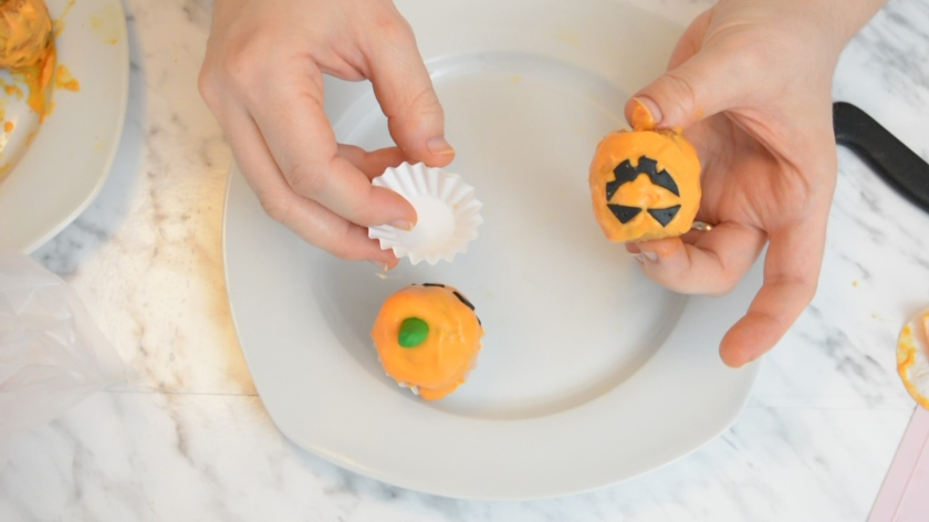 Mini-Pumpcin-Halloween-Cakes-Rezept-Videotutorial-Mohntage-Blog-26
