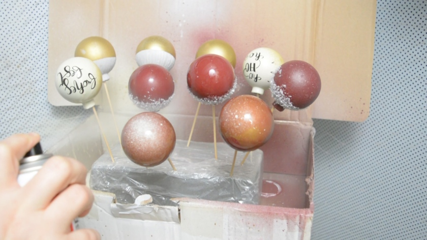 DIY-Christbaumkugeln-selber-machen-Upcycling-Idee-Mohntage-10