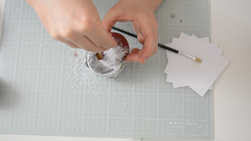 DIY-Christbaumkugeln-selber-machen-Upcycling-Idee-Mohntage-5